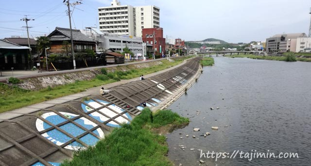 土岐川の堤防