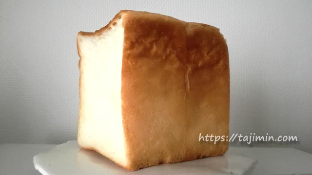 Kattanカッタンの食パン