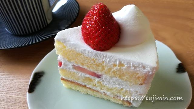 パティスリー ニコリスのショートケーキ