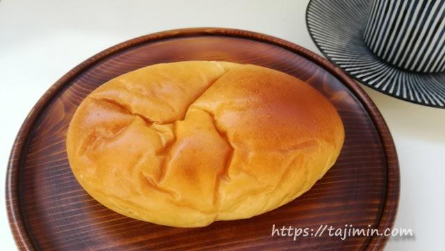 パンの店ライネッケのクリームパン