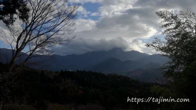 馬籠宿から見る恵那山